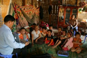 Project Phongsali 2011: We return to Sop Houn and share videos with villagers who helped make them