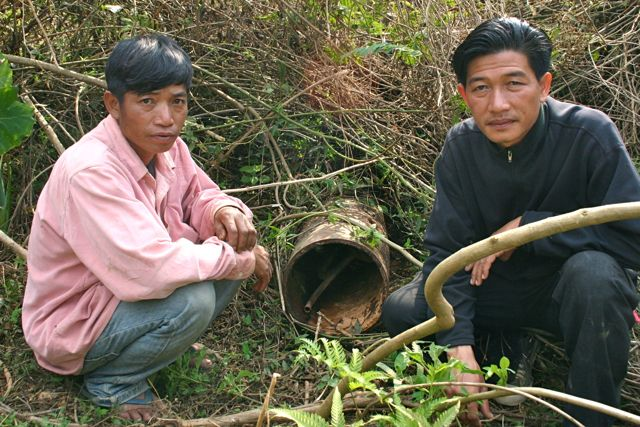 Project Phongsali 2011: Of necessity, villagers turn to local experts who make bombs safe (and sometimes turn a profit.)